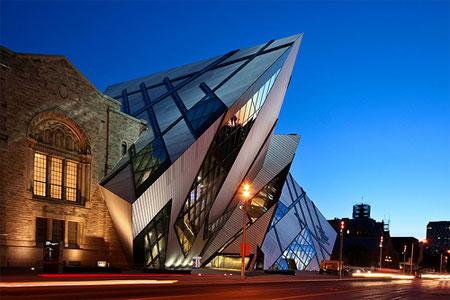 Toronto-in-Canada_Royal-Ontario-Museum_2908